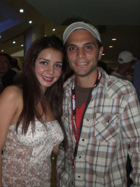 La Actriz Erika Santiago junto a Frank Garcia