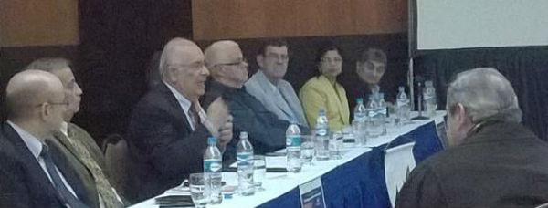Leyenda de la foto (de izq. a der.): E. Porcarelli, G. Briceño, A. Gabaldón, I. Avalos, R. Piñango, J. Larrañaga, C. Curiel y L. Soler