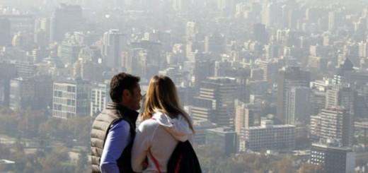 La falta de lluvias contribuyó a la acumulación de smog en Santiago.