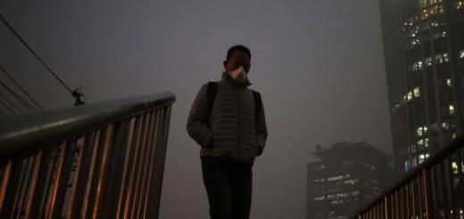 Imagen de un ciudadano de Pekín. EFE