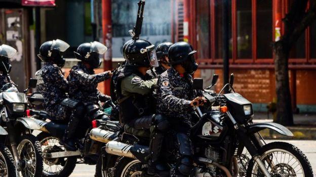 La oficina de derechos humanos de la ONU afirmó que los cuerpos de seguridad en Venezuela han hecho un uso excesivo de la fuerza en contra de los manifestantes. Imagen: GETTY IMAGES