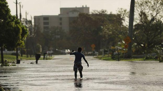 El huracán Irma causó numerosas inundaciones durante este fin de semana en Florida, el tercer estado más poblado de Estados Unidos. Imagen: GETTY IMAGES