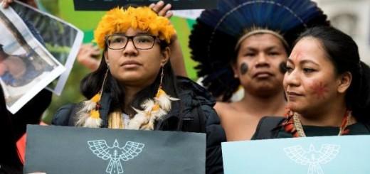 """Foto: Will Oliver Activistas de """"Guardians of the Forest"""" participan en una demostración en Londres."""